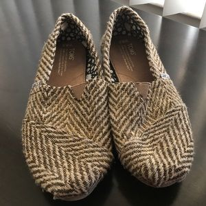 Women's Gold Twill Toms, size 8.5